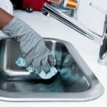 洗面台を酢と重曹でピカピカにする超簡単な掃除方法